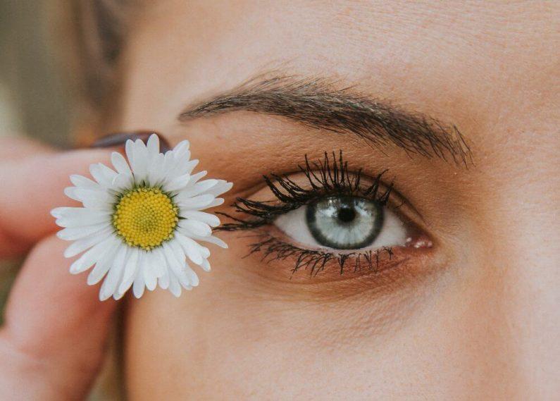 koža-oko-devojka